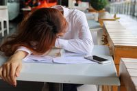 Gejala yang terlihat dari kekurangan vitamin D adalah kelelahan.