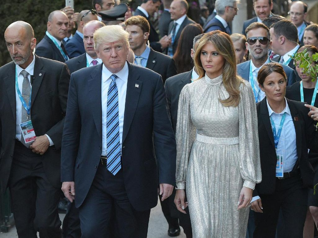 Punya Kekayaan Rp 687 Miliar, Ini 9 Busana Termahal Melania Trump