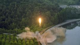 Gagal, Peluncuran Roket Pria yang Ingin Buktikan Bumi Datar