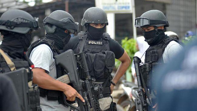Densus 88 Tangkap Agen Pengirim Teroris ke Filipina