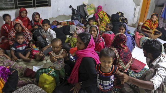 Badai Terjang Bangladesh, Ribuan Rumah Hancur