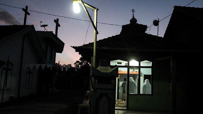 Larangan Non-Muslim Dicabut, Slamet Pilih Tinggalkan Dusun