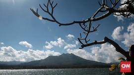 Mencari Foto Wisata Indonesia di 'Tumpukan Jerami'
