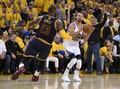 Warriors Rebut Gim Pertama Final NBA 2017