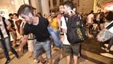 Ledakan itu membawa kepanikan mendalam pada para penggemar Juventus, mengingat serangkaian teror terjadi di Eropa, termasuk di Manchesterbeberapa waktu lalu dan London di waktu yang hampir bersamaan.(REUTERS/Giorgio Perottino)