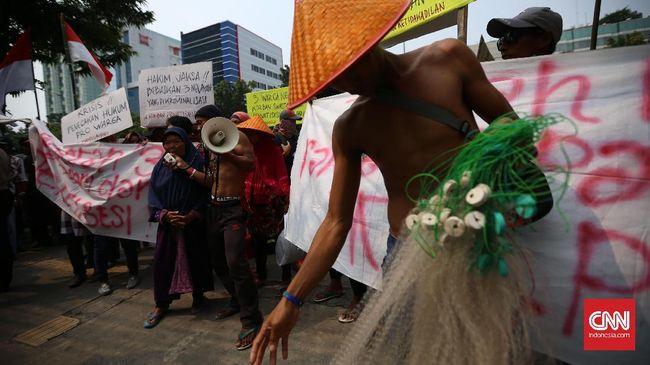 Nelayan Protes Rencana Menteri Susi Hapus Subsidi BBM