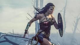 Gal Gadot Kembali dari PD I di Trailer Wonder Woman 1984