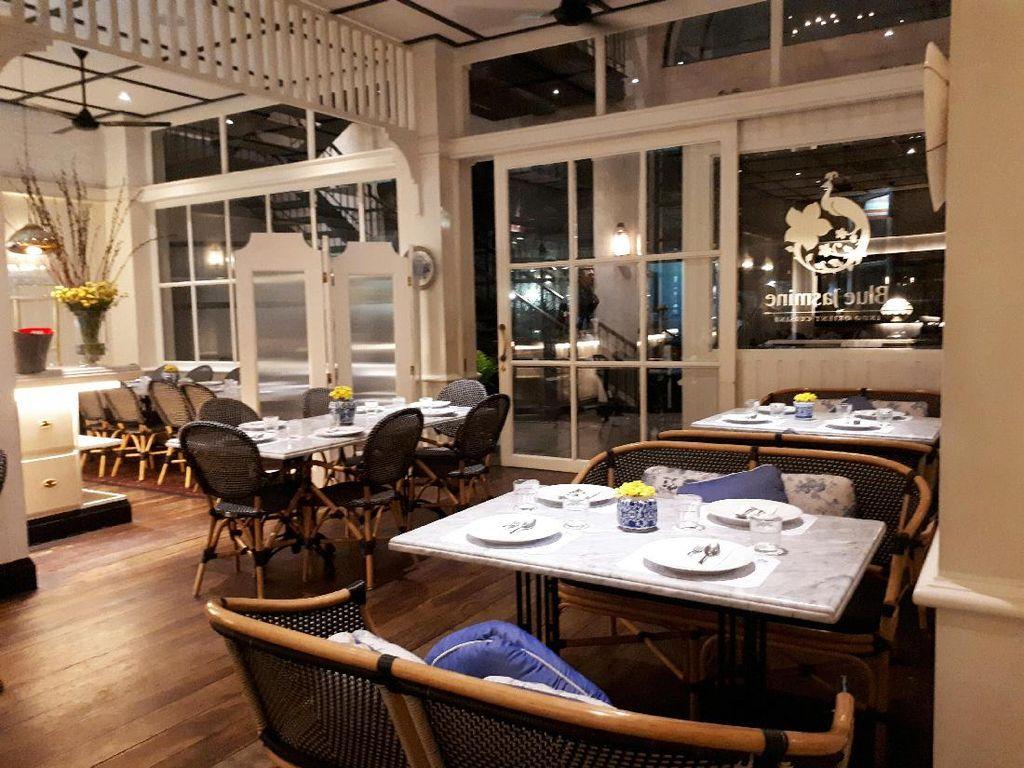 Blue Jasmine yang berlokasi di The Maja bisa jadi tujuan untuk buka puasa bersama kerabat atau keluarga. Sebab restoran dengan tagline Indo Orient Cuisine ini punya nuansa yang nyaman dan elegan.