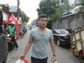 Reza Hambali, Lari dari Afghanistan Hingga Jadi Relawan