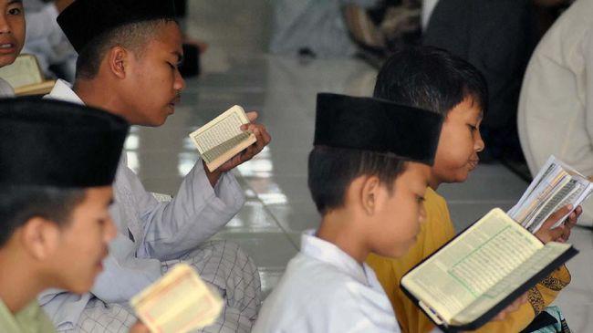 Kemdikbud Bantah Akan Hapus Pelajaran Agama