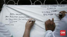 Massa Aksi Bela Ulama 96 Teken Petisi Tolak Kriminalisasi