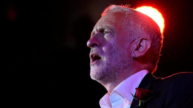 Brexit Kacau, Oposisi Berdebat Cara Lengserkan Theresa May