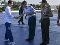 Redam Kesan Angker, Jokowi Bergaya Santai dengan Sneaker