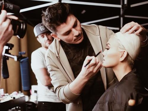 Buka Kelas Makeup Rp 20 Juta, Ini Sosok Makeup Artist Agnes Monica