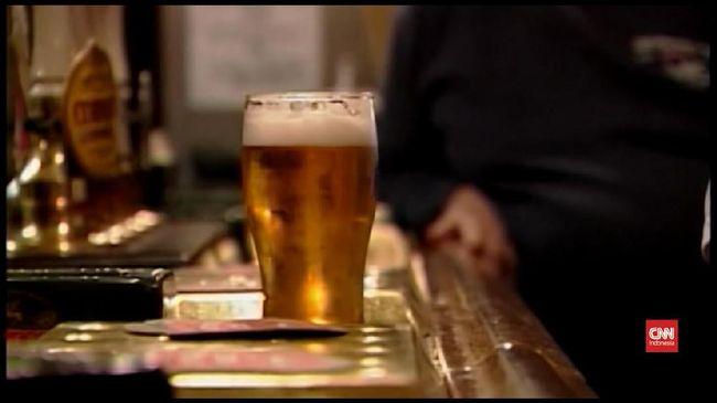 Dampak Buruk Mengonsumsi Alkohol Berlebihan pada Kulit