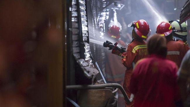 Kebakaran di Kemendes Diduga Akibat Percikan Arus Pendek