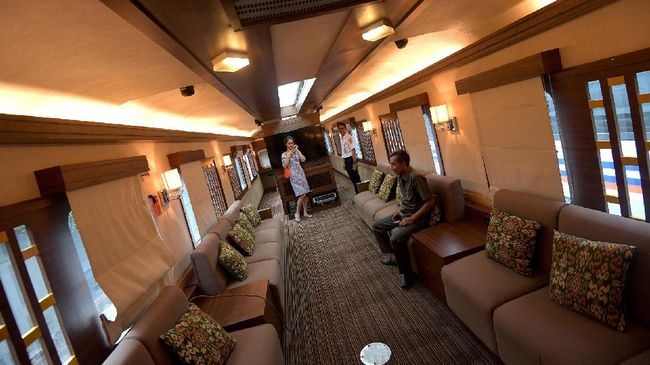 Liburan ke Surabaya Juga Bisa Naik Kereta Pariwisata