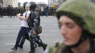 Rusia Tangkap Oposisi Putin dan 100 Pedemo Pendukung Jurnalis
