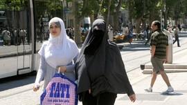 Tolak Salaman, Wanita Muslim Swedia Tak Diterima Kerja