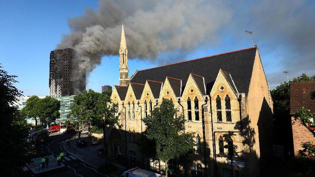 Apartemen London Terbakar, Warga Protes Pengamanan Gedung