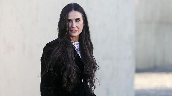 Cerita Anak Kala Lihat Demi Moore Overdosis