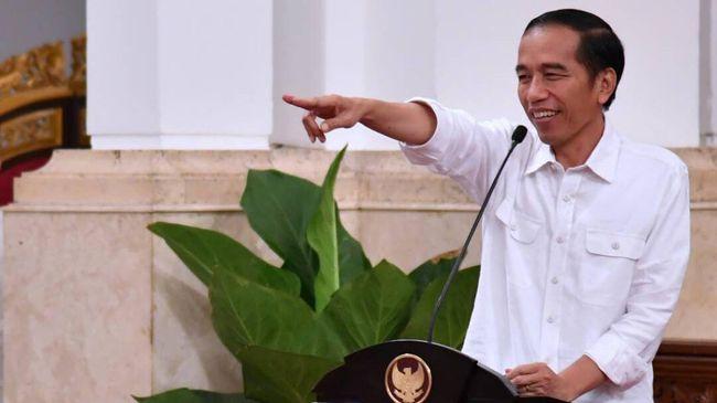 Jokowi Bernyanyi 'Pancasila Rumah Kita' di Hadapan Relawan