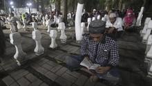 Jelang Ramadan, Makam Sunan Kudus Dipadati Peziarah