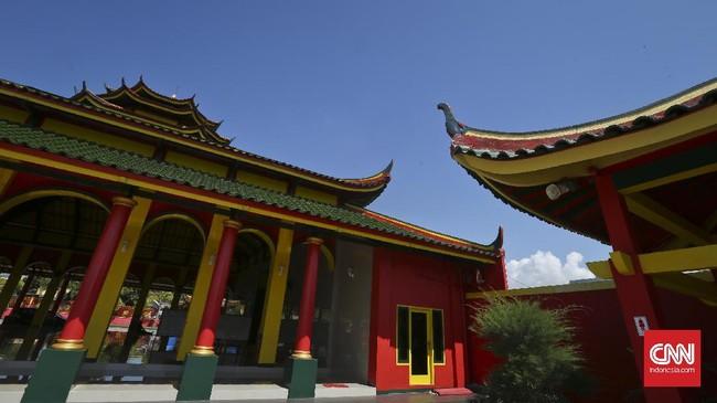 <p>Berdiri di lahan seluas 2,5 hektar, Masjid ini pun merupakan yang pertama yang ada di kabupaten Banyuwangi dan Masjid ini pun merupakan yang pertama yang ada di kabupaten Banyuwangi dan masjid yang kesepuluh yang tersebar di Indonesia.</p>