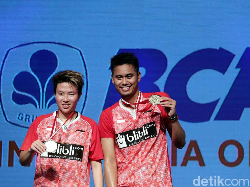 Beginilah ekspresi sang juara BCA Indonesia Open 2017 kategori ganda campuran.