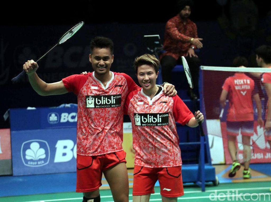 Usai berhadapan dengan ganda campuran asal Malaysia Chan Peng Soon/Yen Wei Peck di babak semifinal, Owi dan Butet pastikan melaju ke babak final.