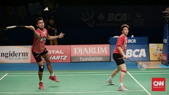 <p>Di gim kedua Tontowi Ahmad/Liliyana Natsir menang 21-15 atas Zheng Siwei/Chen Qingchen dan merebut gelar Indonesia Terbuka 2017. (CNN Indonesia/Andry Novelino)</p>