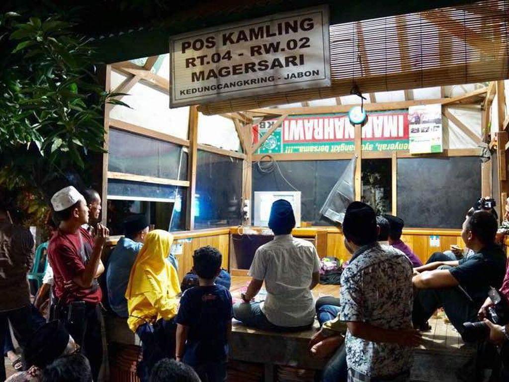 Acara nobar di pos ronda ini digelar dari sore sampai malam hari, sebagaimana Owi/Butet tampil di partai terakhir pada Minggu (18/6) malam. (Foto: dok. Humas Kemenpora)