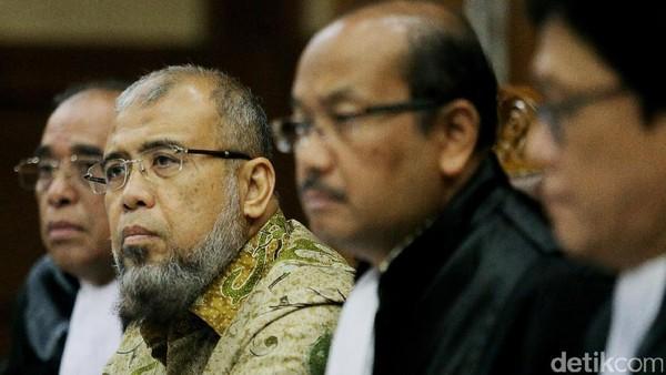 Patrialis Akbar Divonis 8 Tahun