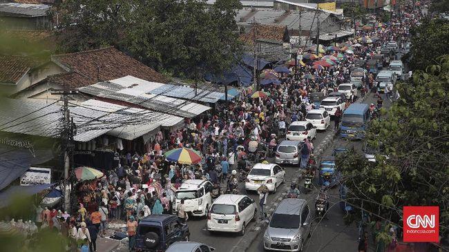 Anies Hanya Mau Solusi Permanen Relokasi Pedagang Kaki Lima