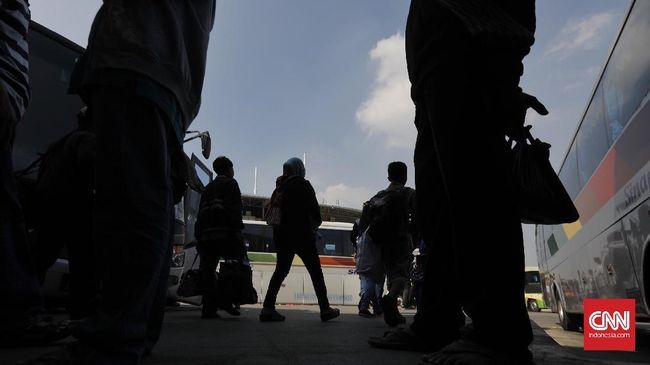 Kisah Pengemudi Bus yang Jauh dari Keluarga di Hari Lebaran