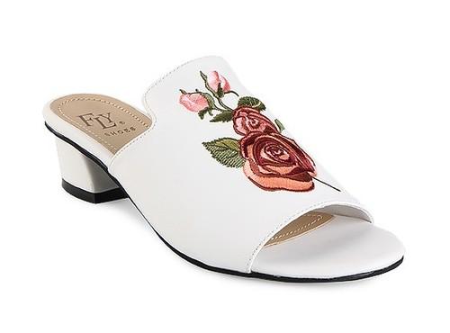 5 Sepatu Cantik untuk Lebaran yang Diskon Hingga 50%