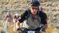 Menghirup udara segar sembari mengayuh sepeda dapat membangkitkan mood Anda. Olahraga lain yang membuat Anda bersentuhan dengan alam juga bisa jadi opsi selanjutnya. (Foto: Bikerumor.com)