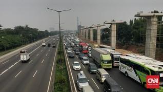 Lalu Lintas Padat, Tol Jakarta-Cikampek Dibuat Lawan Arus