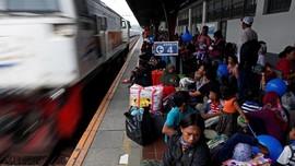 Jalur KA DAOP Cirebon Lumpuh Total Akibat Banjir