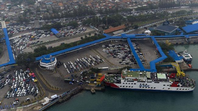 Cuaca Ekstem, Pelabuhan Merak-Bakauheni Ditutup Sementara