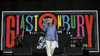 Jeremy Corbyn Disebut Pecahkan Rekor Penonton Glastonbury