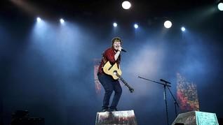 Ed Sheeran Artis Paling Top 2017 versi Billboard