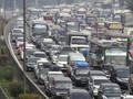 Tol Jakarta-Cikampek Padat, Volume Kendaraan Naik 30 Persen