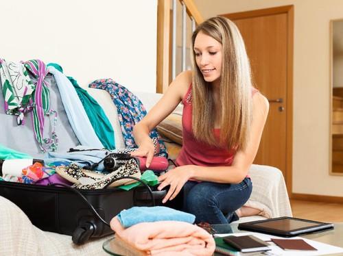 5 Kesalahan Packing yang Buat Koper Kepenuhan Saat Traveling