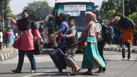 Arus Balik di Terminal Kampung Rambutan Mulai Sepi