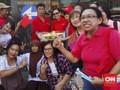 Ahoker Bawa Kue Ulang Tahun: <i>Happy Birthday</i> Pak Ahok