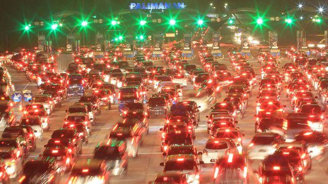 Macet, Kemenhub Buka Opsi Batasi Mobil di Tol saat Arus Balik