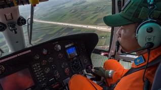 Tim SAR Evakuasi Tiga Kantong Jenazah Pesawat Dimonim