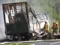 Bus Tabrak Trailer di Jerman, 17 Orang Diduga Tewas Terbakar