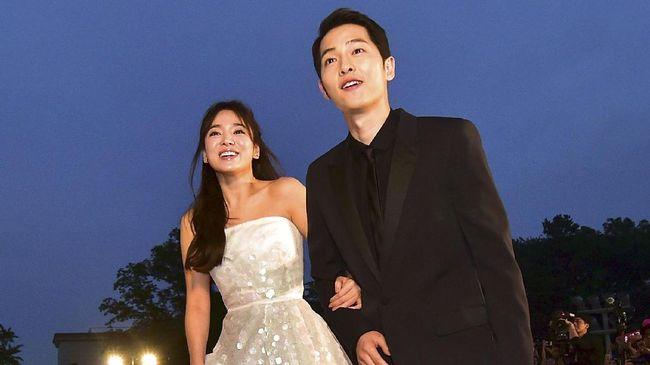 Kisah Song Joong Ki Melamar Song Hye Kyo di Jepang Terungkap